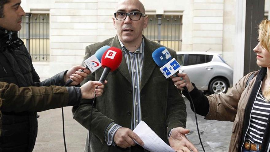 El padre que destapó abusos en Maristas pedirá a Bruselas un registro de pederastas