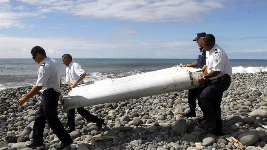 Australia confirma el hallazgo de otras tres posibles piezas del MH370