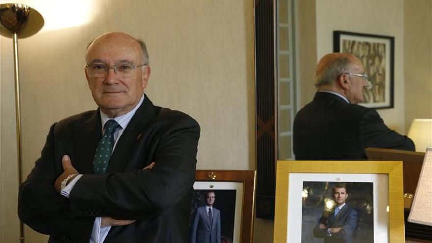 Carnicer: Los políticos tienen que aprender a pactar como hacen los abogados