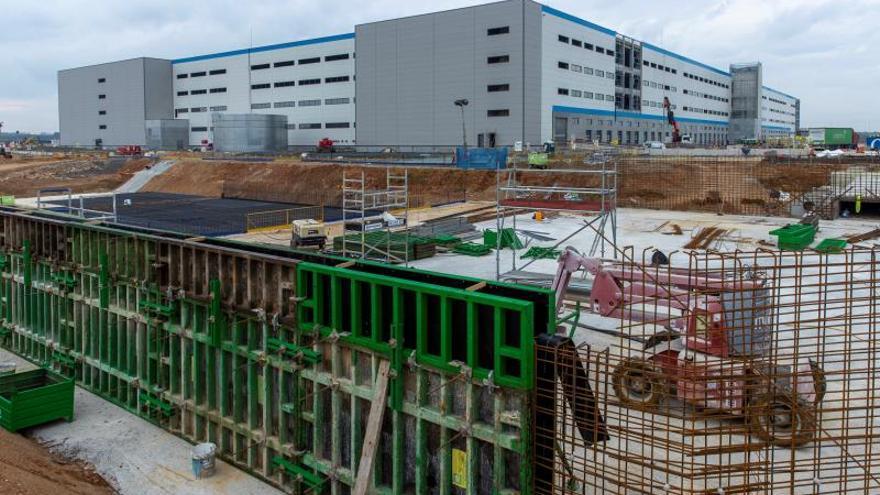 Parón de la construcción afectará a un 89 % de obras, según los aparejadores
