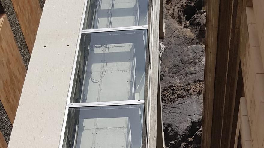 Ascensor urbano de Santa Cruz de La Palma situado.