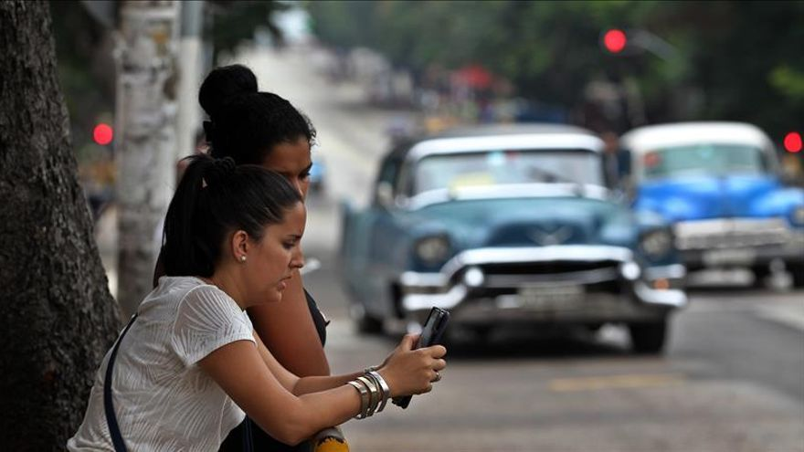 Cuba abrirá 20 nuevos puntos de acceso a internet wifi antes de fin de año
