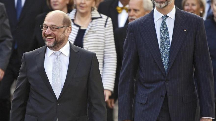 Schulz carga contra las fronteras en Europa en el Premio Carlomagno