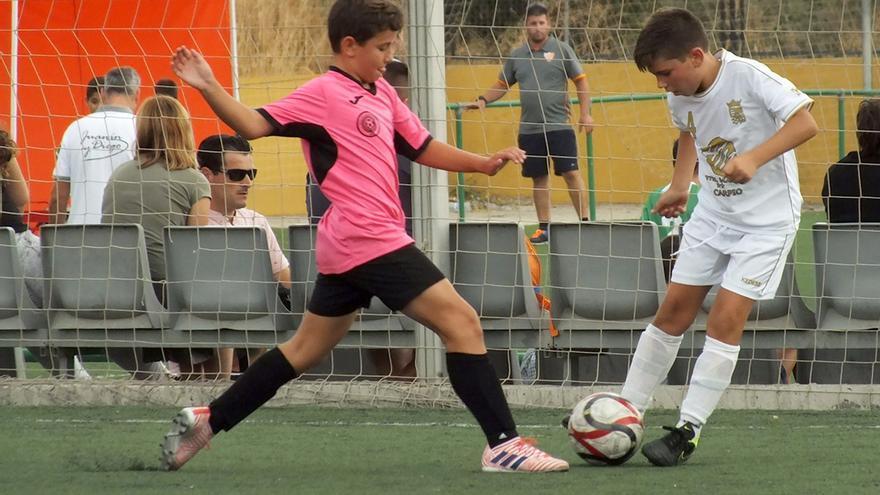 Imagen de uno de los partidos de la Cajasur Cup Ciudad de Córdoba.