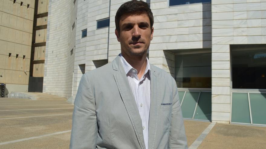 El alcalde exsocialista de Gimenells (Lleida) que fichó por el PP no renuncia a la Alcaldía