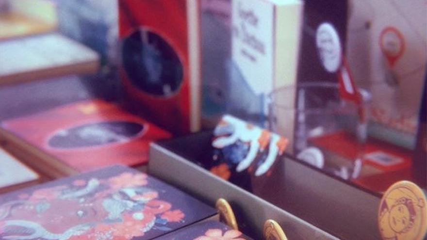 Ejemplares de 'Cuadernos de Medusa', el primer libro de la editorial Amor de Madre