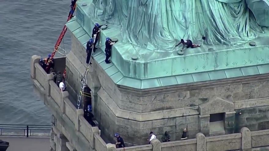 Concluye la protesta en la Estatua de la Libertad de Nueva York