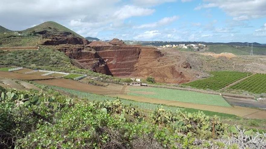Extracción en el conjunto volcánico de Jinámar.
