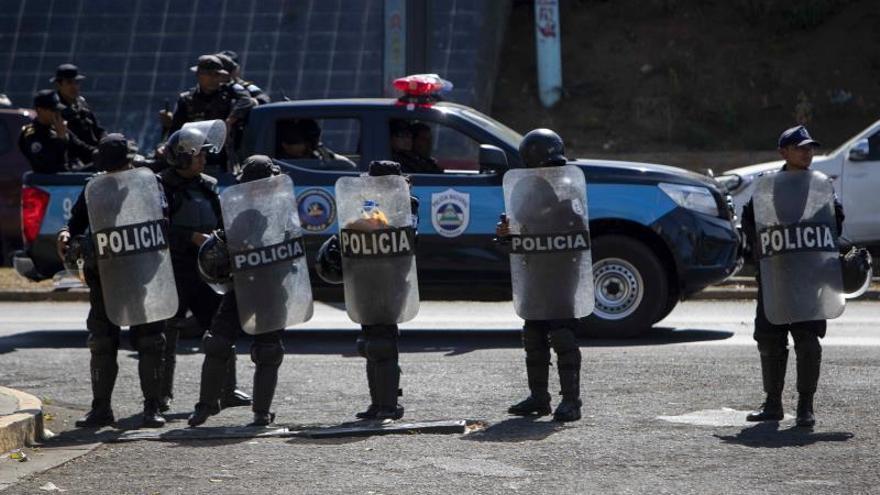 Denuncian retención de periodista y asedio a emisora en Caribe de Nicaragua