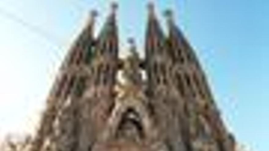 La Sagrada Familia pide a la AN suspender las obras del AVE ante el templo