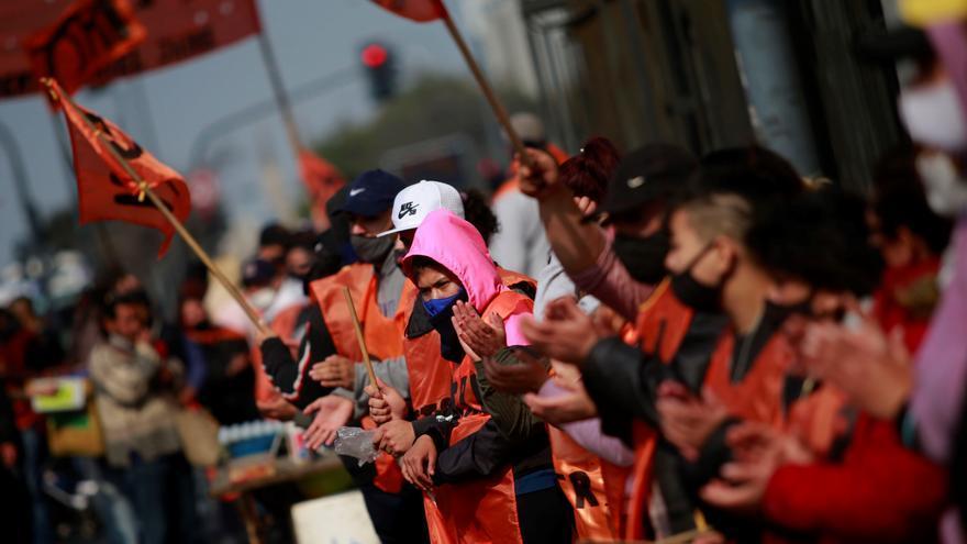 Masiva movilización en Buenos Aires en demanda de planes sociales y empleo