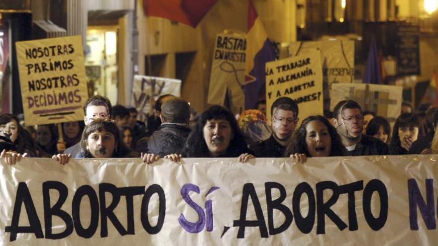 """The New York Times ve """"alarmante"""" el debate del aborto en España"""