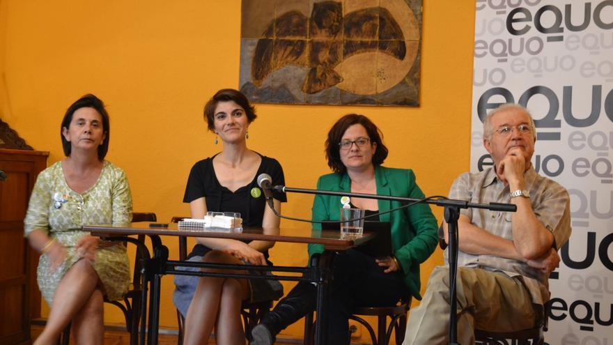 Toñi Gómez, Rosa Martínez, Rosa Crespo y Manuel Tovar durante el debate sobre economía verde en Murcia