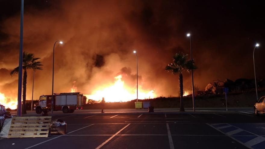 """IU exige a la Junta de Andalucía que """"intervenga ya"""" para evitar más incendios en los asentamientos"""