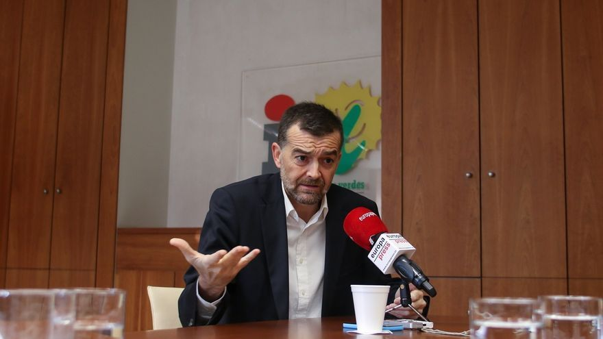 """Maíllo reta a """"dar la cara"""" a excargos de IU que critican la confluencia con Podemos tras """"haberse entregado"""" al PSOE-A"""