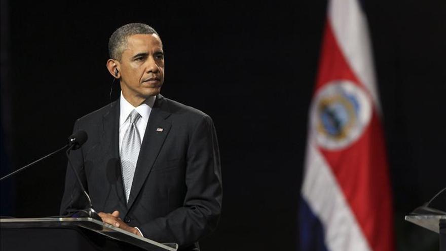 Obama dice que Venezuela debe elegir a sus líderes en un ambiente democrático
