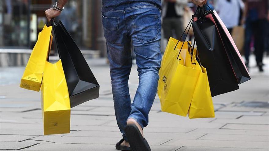 Las ventas del comercio minorista suben el 0,8 % y suma cinco años al alza