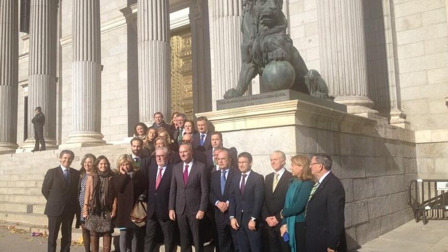 Alberto Fabra reúne en Madrid a los diputados y senadores valencianos del PP