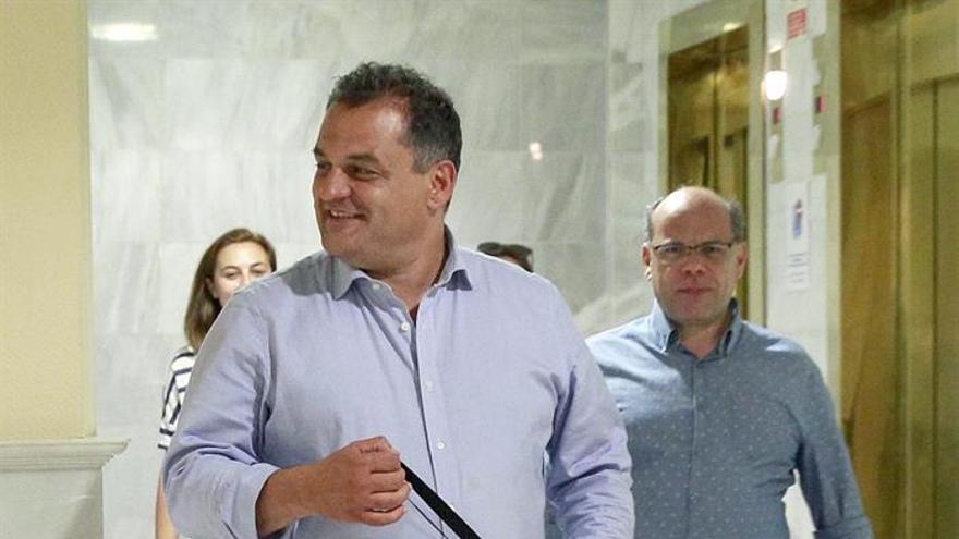 José Aberto Díaz durante las reuniones con los dirigentes del PSOE.