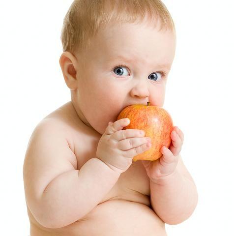 Baby-boy-eating-healthy-food-i-20341478