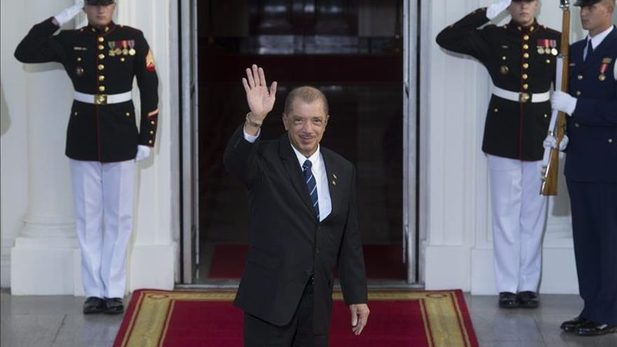 Reelegido presidente de Seychelles James Michel con el 50,15 % de los votos