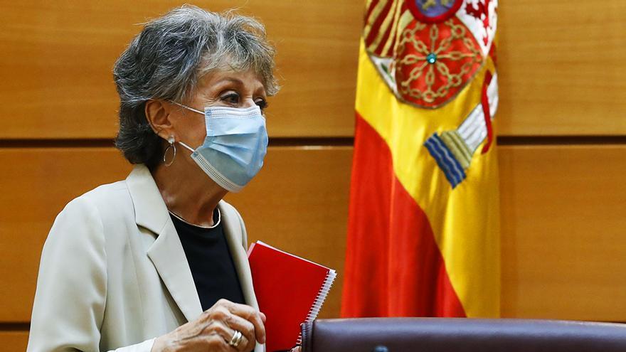 Rosa María Mateo, a su llegada a la comisión del Senado