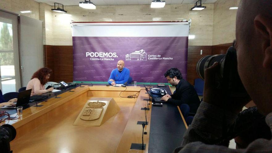 Rueda de prensa de José García Molina en las Cortes