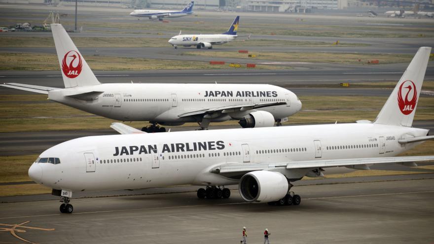 La aerolínea nipona JAL retira todos sus Boeing 777 tras el incidente en EE.UU.