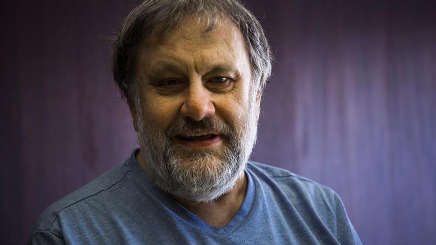 """Slavoj Zizek: """"Las máquinas van a cambiar lo que significa ser humano"""""""