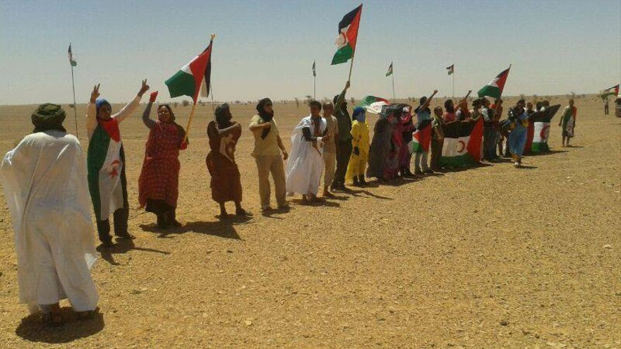 Manifestación  de junio de la Plataforma Gritos contra el muro en las cercanías del muro/ Fotografía: Plataforma Gritos ontra el muro