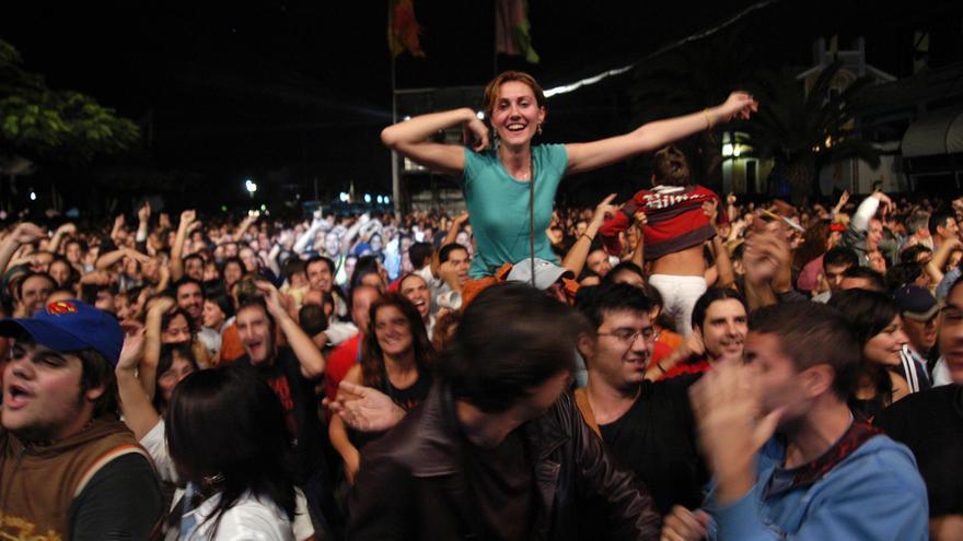 Público abarrotando el Parque Santa Catalina en el Womad de Las Palmas de Gran Canaria.