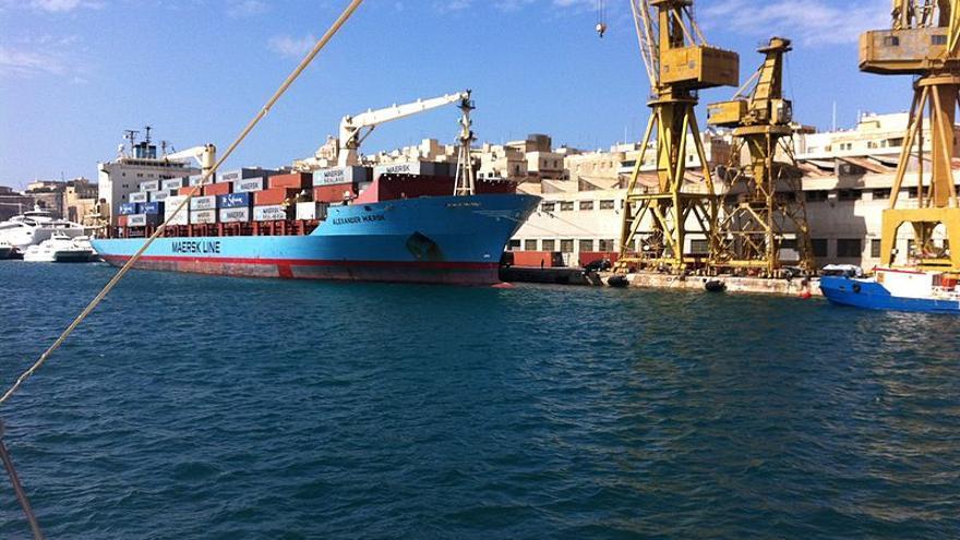 """Resultado de imagen para El """"Alexander Maersk"""" en Sicilia"""