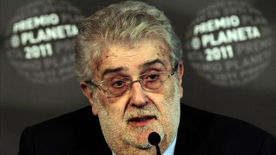 José Manuel Lara dice que si Cataluña se independiza llevará la sede de Planeta a Sevilla