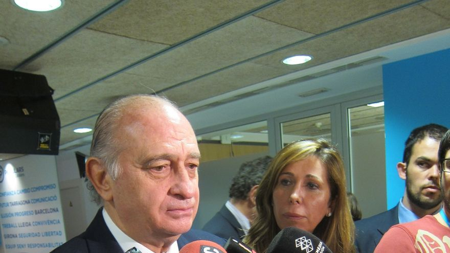"""Jorge Fernández advierte de que la Constitución se respetará """"diga lo que diga Mas"""""""