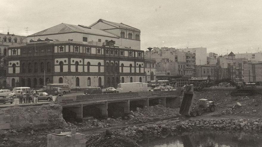 Obras en el barranco del Guiniguada, 1970.