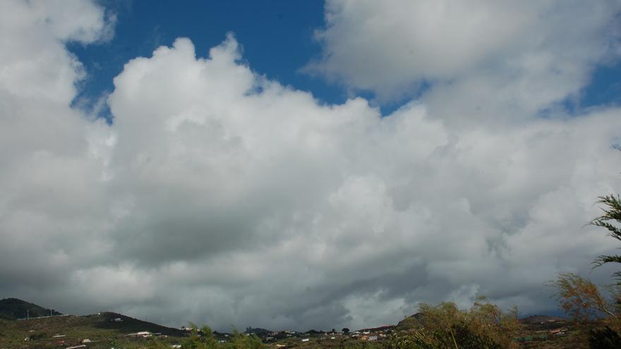 Nubes en el cielo de Mazo.