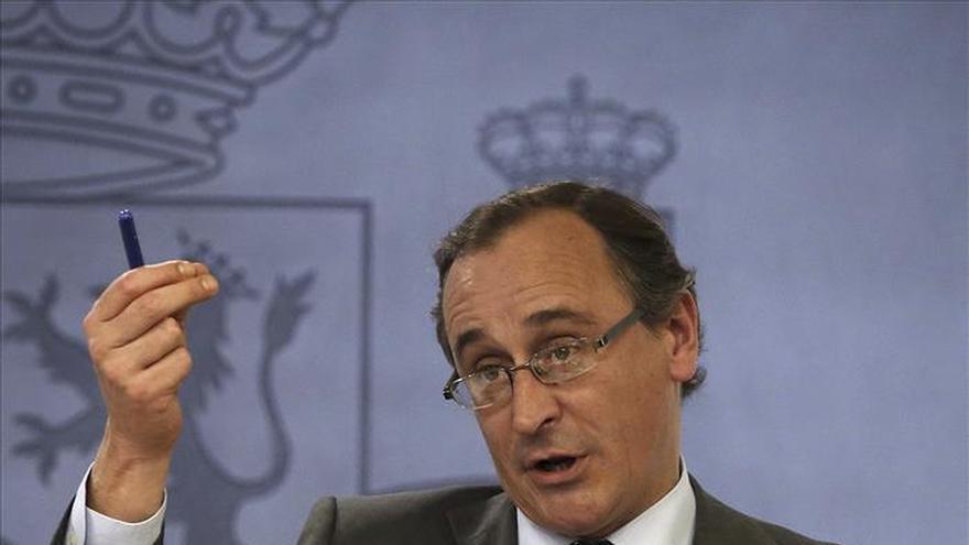 Alonso anuncia la nueva compra de vacunas de tosferina en las próximas semanas