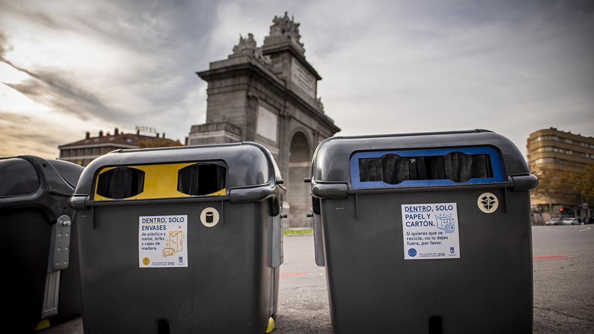 Contenedores para la recogida selectiva en Madrid.