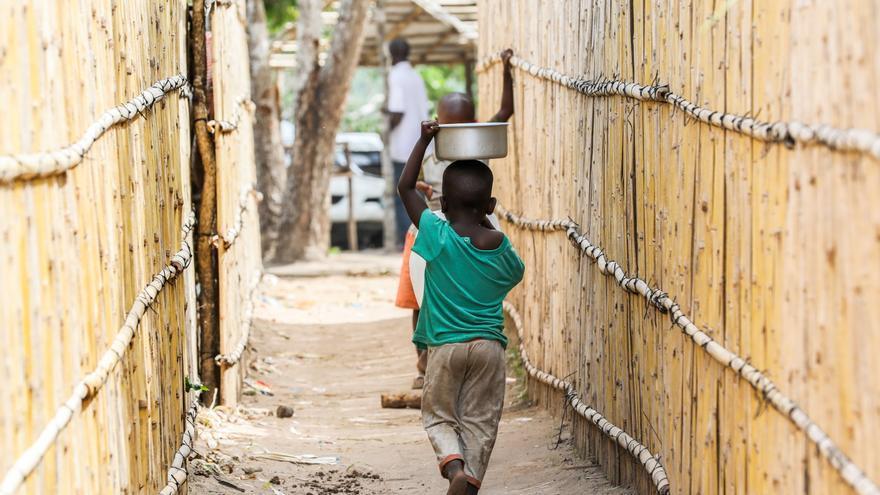 Al menos 364.000 niños desplazados por la violencia yihadista en Mozambique