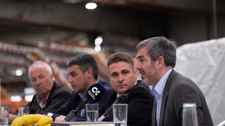 Clavijo, junto a dirigentes de la OPP Llanos de Sardina y al consejero Narvay Quintero