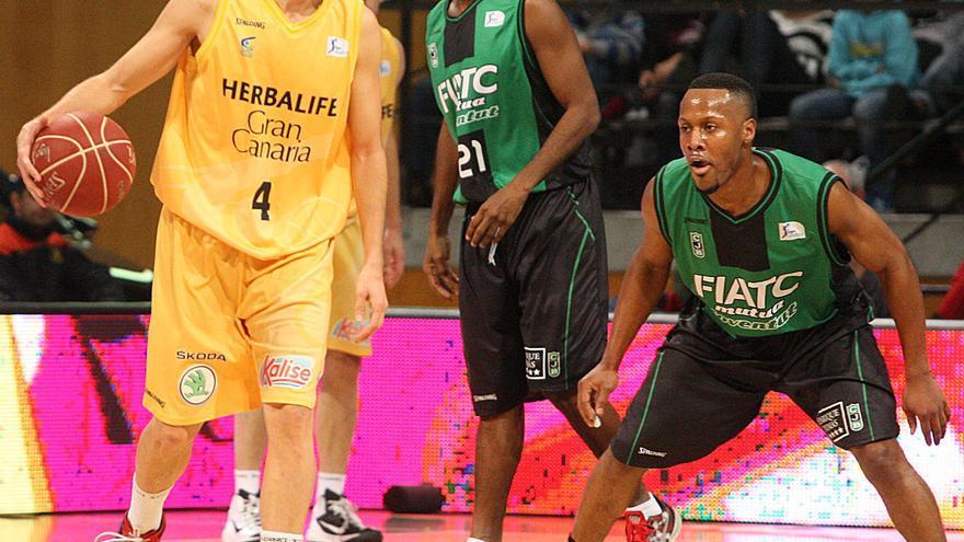 Albert Oliver en el partido en Badalona   ACB Photo