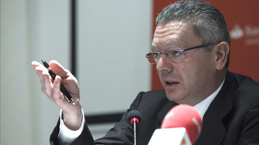 Gallardón dice que la ley del aborto irá a Consejo de Ministros este verano