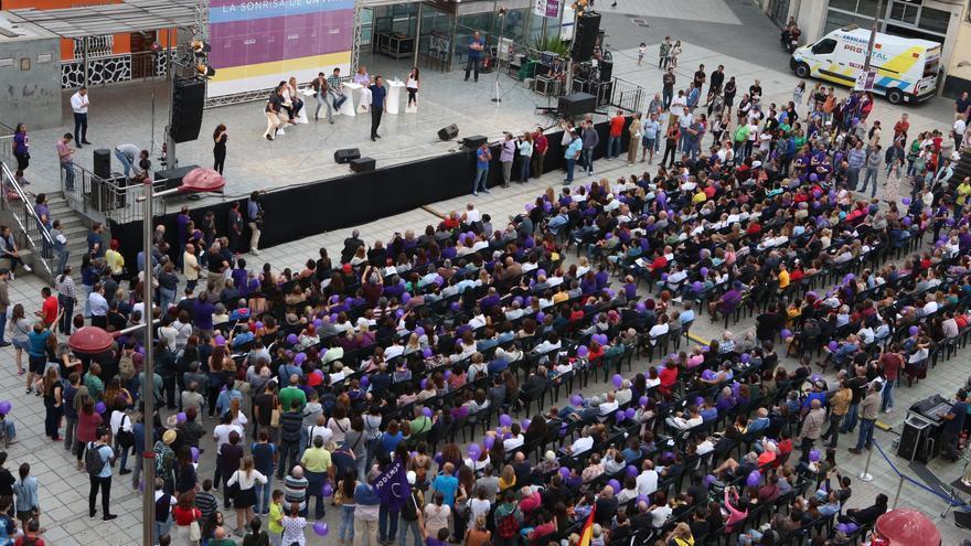 Aspecto de la plaza del Pilar en Las Palmas de Gran Canaria en el mitin de Podemos en junio de 2016