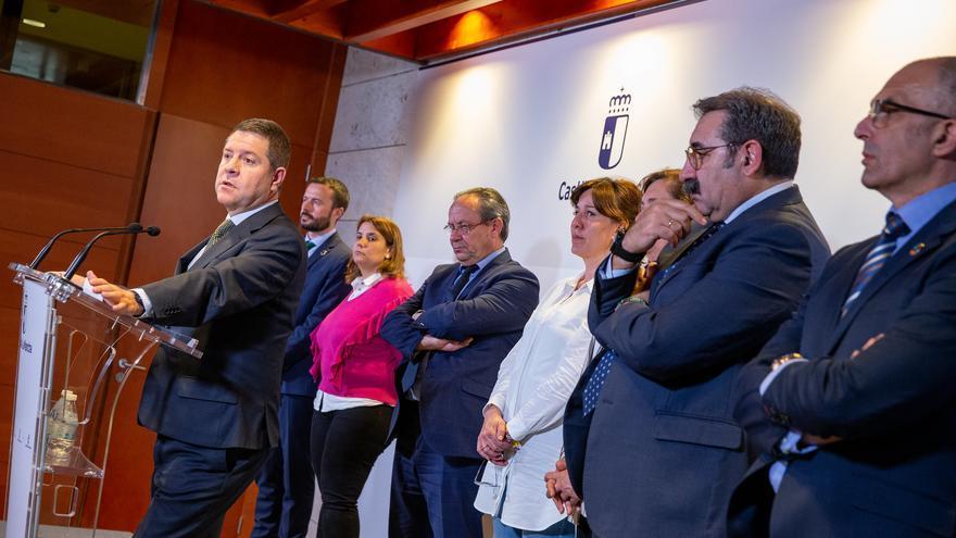 García-Page da marcha atrás, suspende las clases y lo atribuye a una decisión del Gobierno no consensuada con autonomías