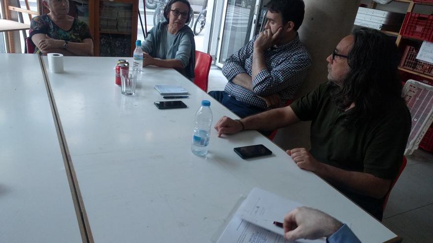 Los participantes del círculo de Podem Poble Sec - Sant Antoni, en un momento de la asambela
