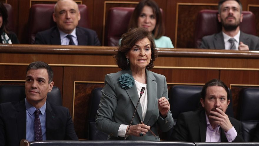Pedro Sánchez, Carmen Calvo y Pablo Iglesias durante la sesión de control al Gobierno.