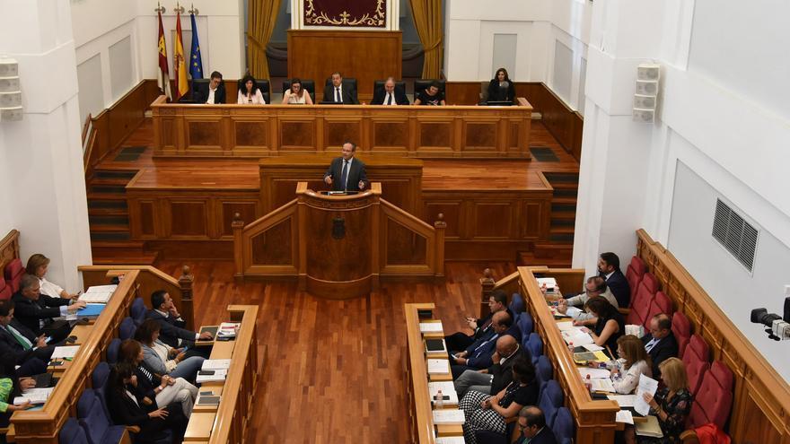 Un momento del Pleno en las Cortes regionales, durante la sesión de la mañana