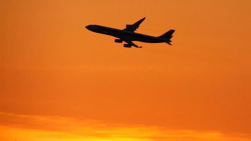 EE.UU. anuncia vuelos directos a La Habana desde 10 ciudades a partir de otoño