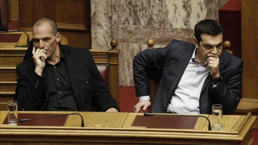 El Eurogrupo recibe la solicitud de Grecia para prorrogar seis meses el rescate