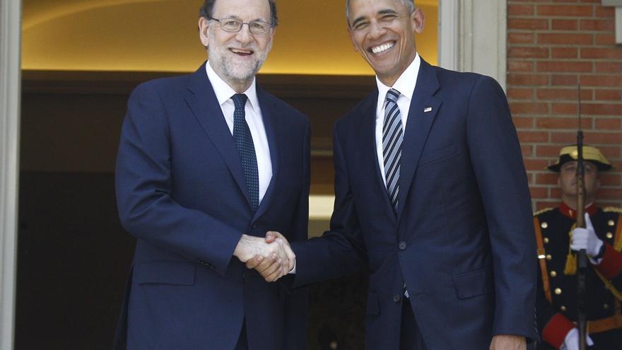 Rajoy regala a Obama un jamón y el presidente de EEUU le agasaja con un caja de cristal con el escudo americano